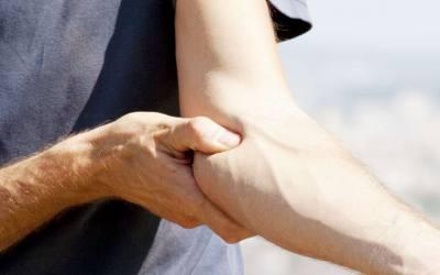 Leczenie łokcia golfisty – metody zachowawcze