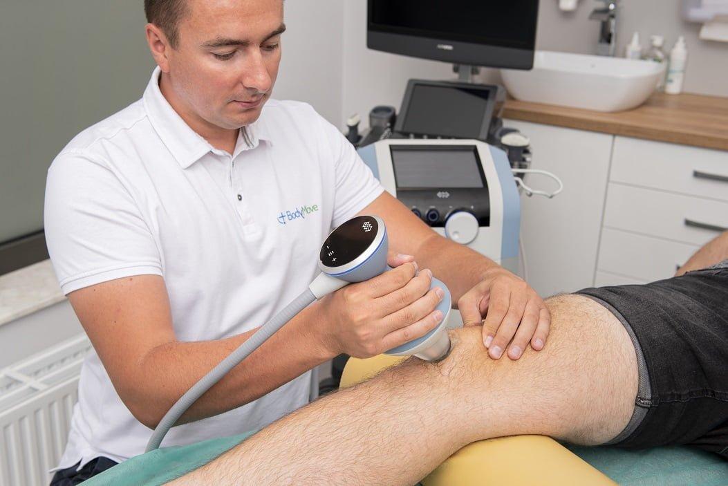 fala uderzeniowa skupiona na kolano